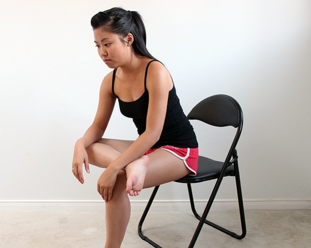 seated-piriformis-stretch